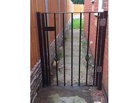side gate (door)