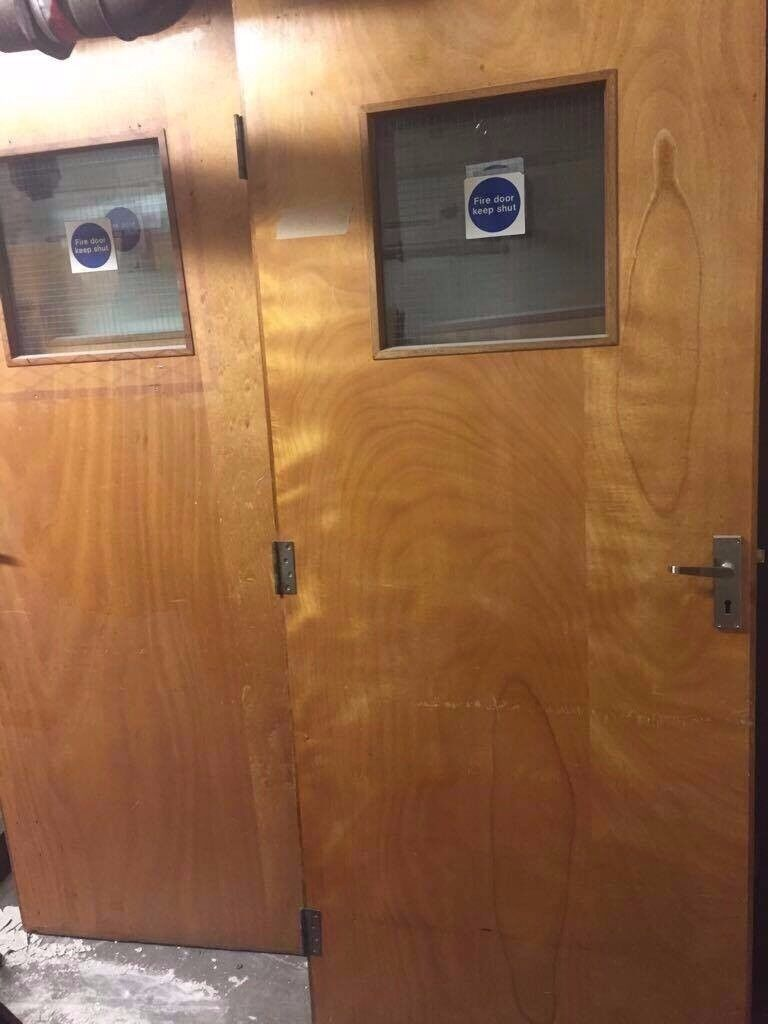 Used internal wooden doors different sizes (74x available)