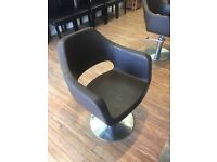 4 hairdressing chairs