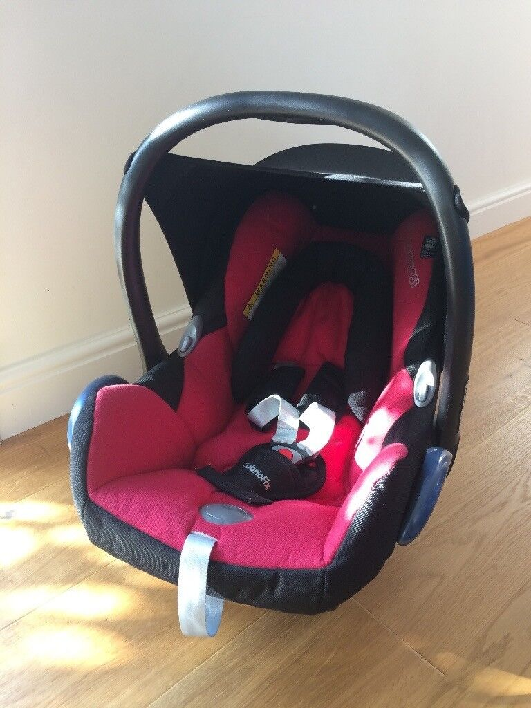 Maxi Cosi Car Seat With Newborn Insert Padding