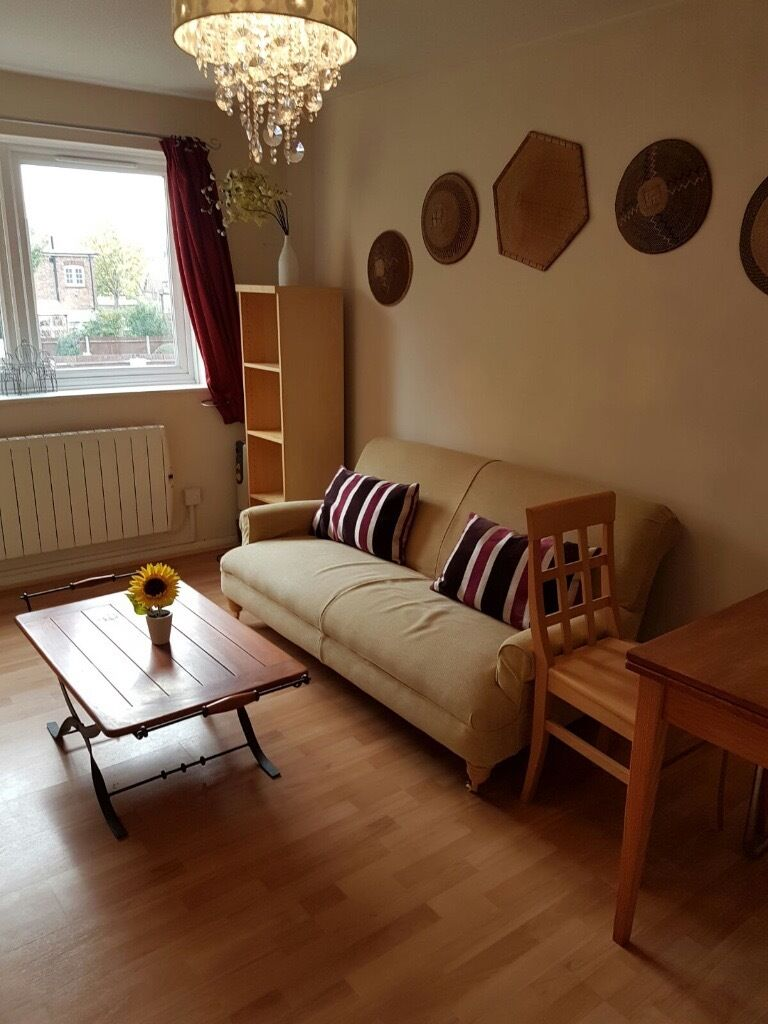 Elegeantly presented one bedroom flat to rent in South Ealing ** COMES WITH ALLOCATED PARKING SPACE