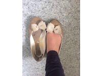 Well Worn Women's Ballet Pumps Size 5