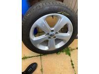 Vauxhall Mokka alloy and tyre