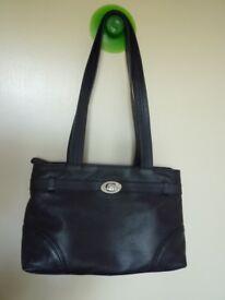 Hotter Leather Shoulder handbag – Dark Navy blue