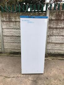 Very good condition pharmacy commercial fridge full working order only ££180 price