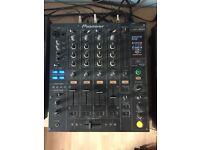 Pioneer DJM 800 Professional DJ Mixer