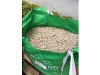 Yorkshire Cream chippings gravel 20mm - around 750kg