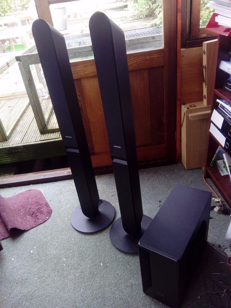 Two Samsung speakers for sale PS-RTHX25 and subwoofer