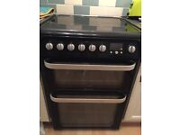 HOTPOINT ULTIMA OVEN. Under 4 years. Have Instructions booklets.