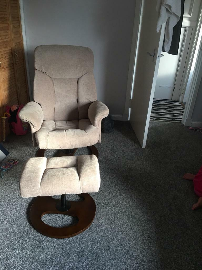 Swivel. Recliner chair