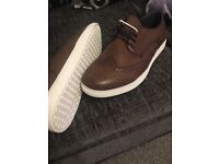 Mens size 9 brown shoes