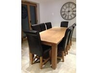Oak Extendable Table & 8 Chairs