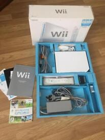 Wii console white boxed bundle