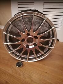 "Fox Racing 16"" Alloy Wheels 5 Stud BN"