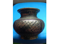 Selection of collectables, wall plates, pots, indian brass, dominoes etc