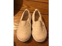 Baby Gap toddler girls shoes size 6
