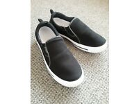 Mens Slip On Canvas Shoes Comfy Loafers Casual Deck Plimsoll Pump Ska