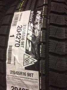 4 pneus d'hiver 215/65/16 Nitto Winter SN 2