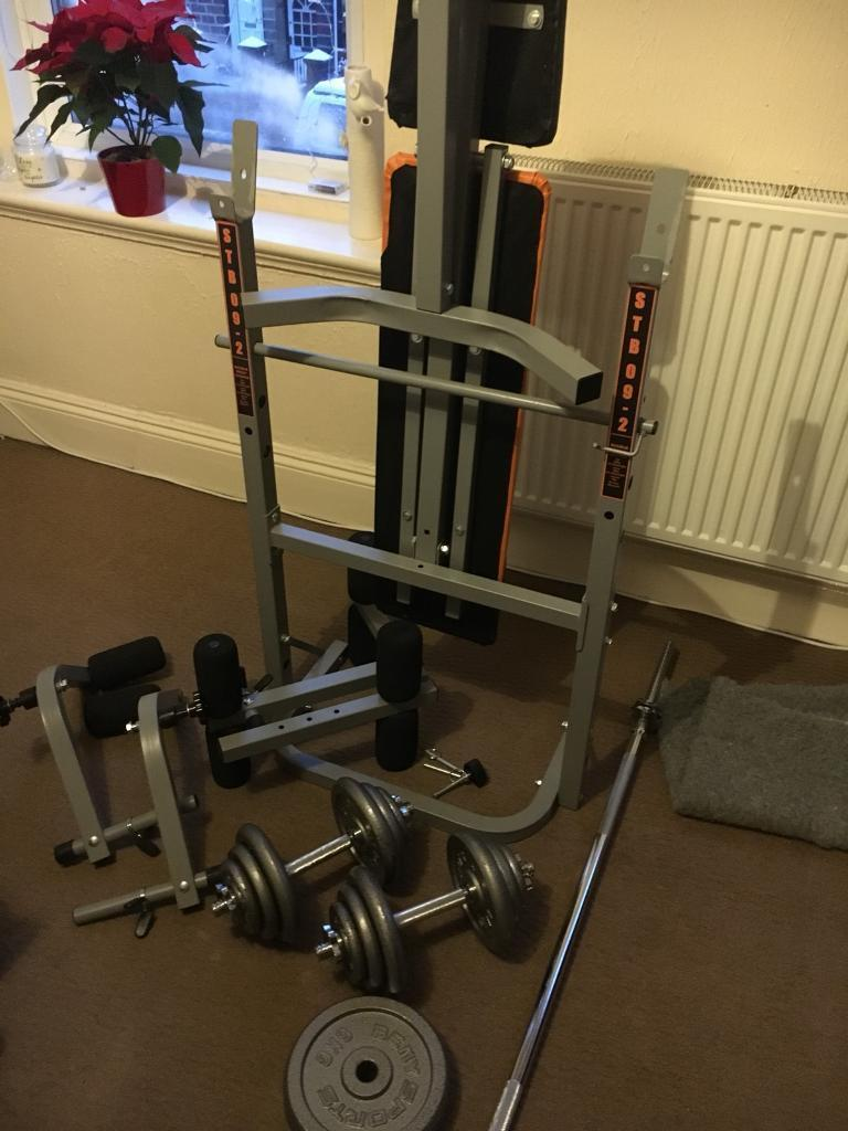 Bench press 80Kg 2x dumbell bars 1x barbell + accessories.