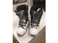 Salomon Savage White Snowboard Boots - UK Size 8.5 - Good Condition