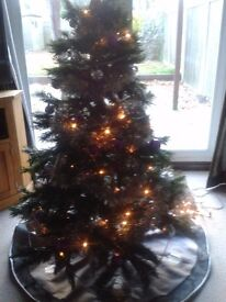 CHRISTMAS TREE 5ft VIRGINIA PINE TREE COMPLETE WITH LIGHTS AND DECORATIONS