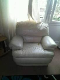Cream sofa need gone tonight