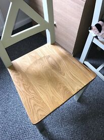 4 solid oak dinning room chairs, as new