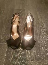 Womens shoes party size 3