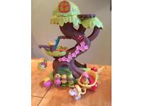 Happy Land Treehouse and figures