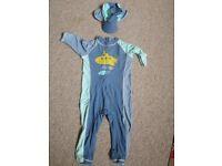 One-piece swimsuit UV protection plus swim-hat - age 4-5