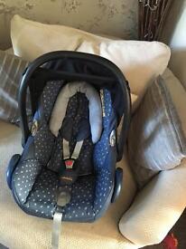 Demin hearts cabriofix car seat & isofix base