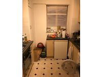 Spacious 2 Double Bedroom flat across the road from Kilburn Station NW2 3TD