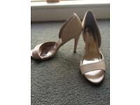 Nude coloured shoes heels size 6