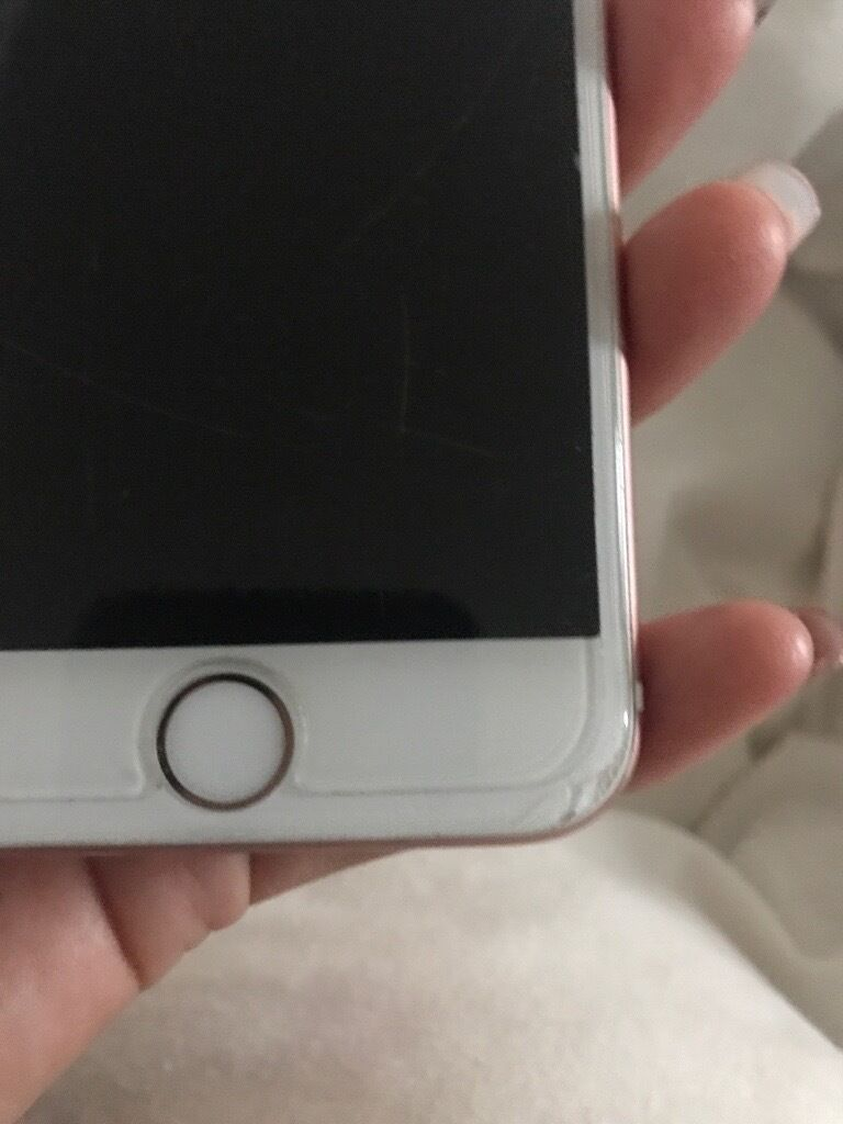 iPhone 6s rose gold on 02in Ferryhill, County DurhamGumtree - iPhone 6s rose gold on 02 for sale, perfect working condition small crack on the bottom of the screen as you can see on the pictures but its hardly noticeable to be honest, screen has a protector on the front with scratches to that not the actual...