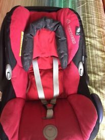 Maxi Cosi baby car seat suitable 0 -13 months excellent condition