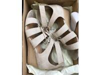 UGG Yasmin ladies sandal size eu 40