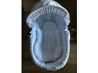 Clare du lune Moses basket and stand