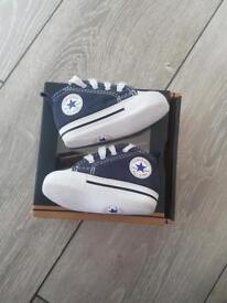 Navy converse (baby crib shoes) size 1