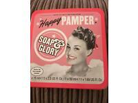 Soap & Glory 'Happy Pamper' Gift Set