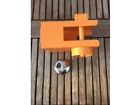 Trailer / caravan hitch lock and two keys