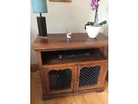 Mexican Pine TV Unit in great condition Length 80cm x Depth 40 cm x Height 70 cm
