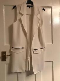 Top shops sleeveless jacket size xs (4)