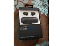Samsung gear iconX wireless earphones and fitness tracker. BNIB
