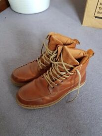 Like new men's brown leather boots (size 8, RJR.John Rocha)