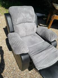 Recliner chair very comfy