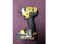 Dewalt DCF885 Impact driver with 18V rechargeable battery