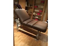 Electric massage table - Cladagh by Oakwood
