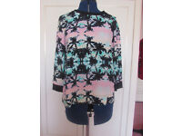 Ladies tropical print top Size 12 Excellent condition