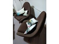 Pair of iconic Greaves & Thomas egg swivel chairs - 60s mid-century modern and super-comfy