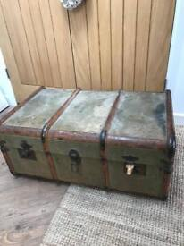 REDUCED Beautiful Vintage Steamer Trunk